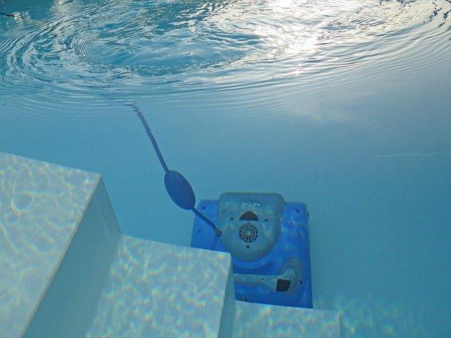 L'aspirateur piscine : l'accessoire indispensable pour l'entretien de la piscine