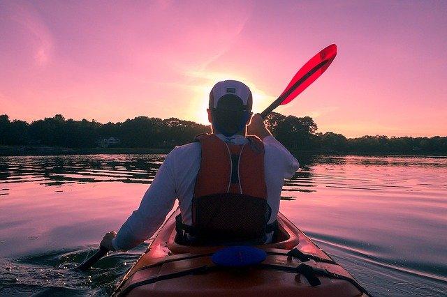 Kayak : une activité très pratique en été